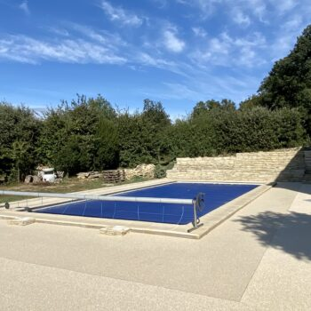 revetement-piscine-moquette-de-pierre-livingstone-11